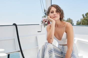 Willa Holland - Warner Bros Entertainment